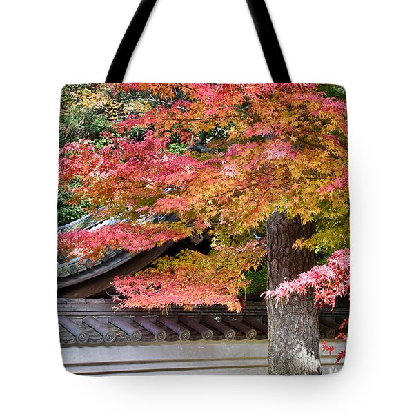 Fall In Japan Tote Bag