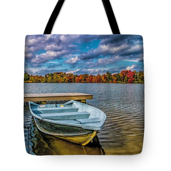 Tote Bag featuring the photograph Fall On Alloway Lake by Nick Zelinsky