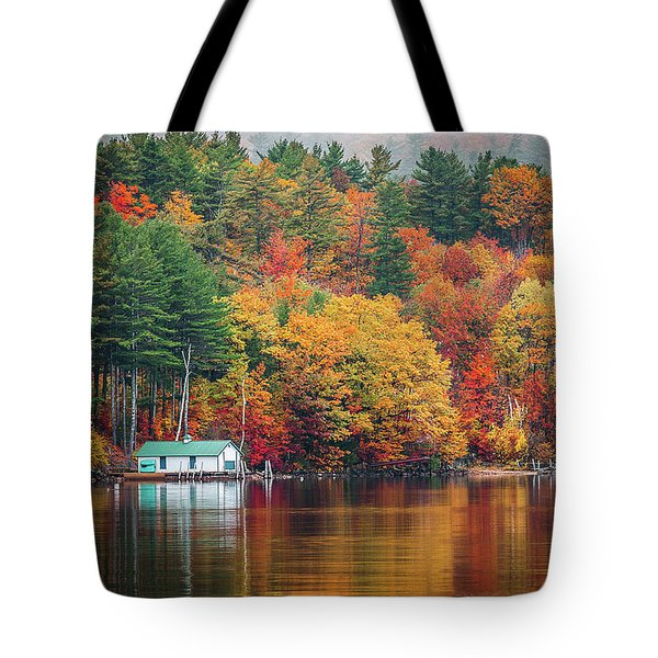 Fall On Lake Winnipesaukee Tote Bag