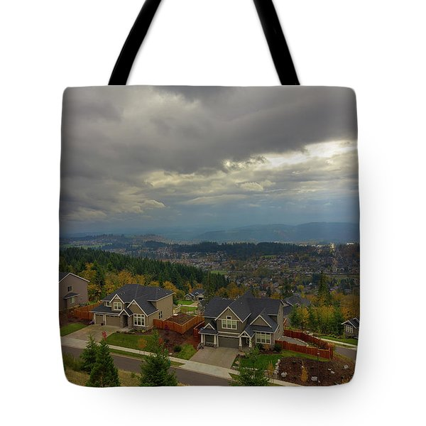 Fall Season In Happy Valley Oregon Tote Bag by David Gn