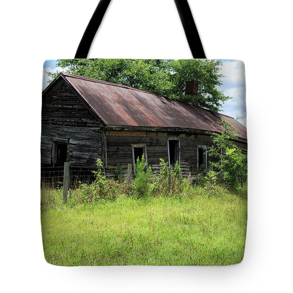 Tote Bag featuring the photograph Farmhouse Abandoned by Doug Camara