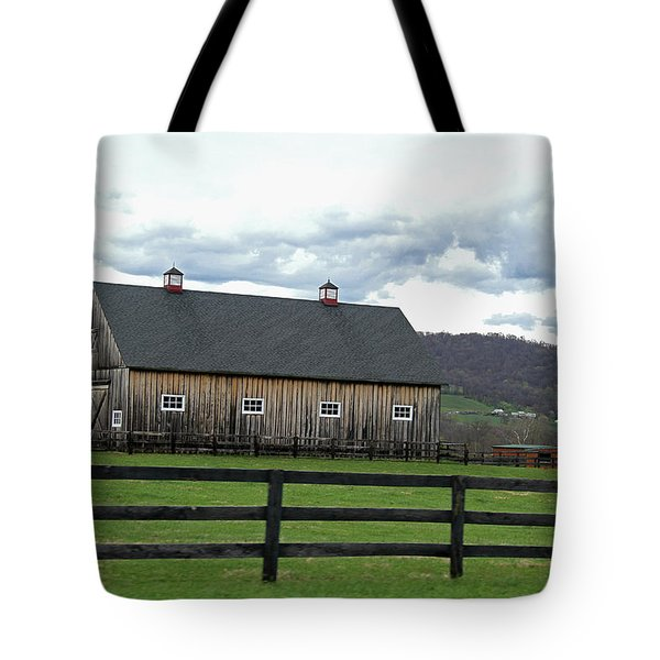 Tote Bag featuring the photograph Farmhouse In Northern Virginia by Emanuel Tanjala