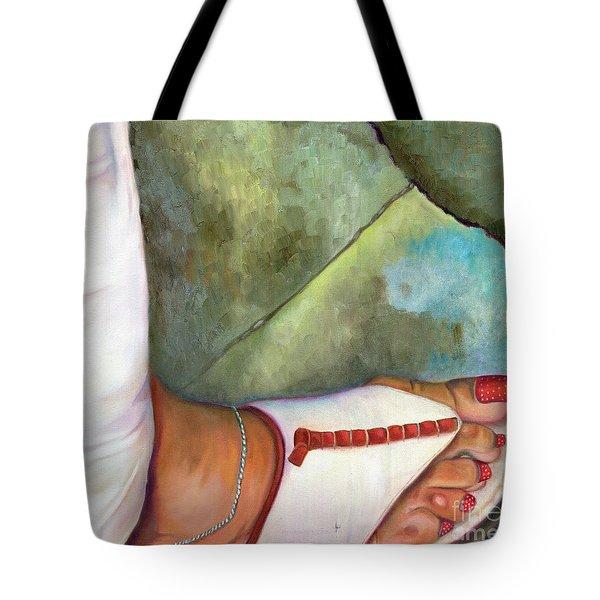 Fashion Feat Tote Bag