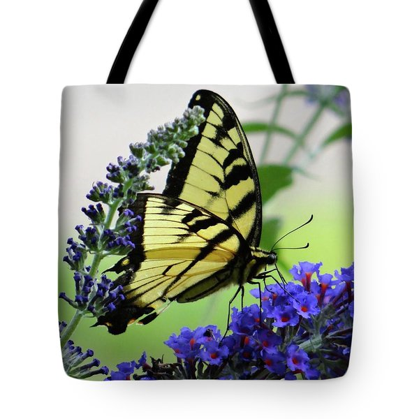 Feeding From A Nectar Plant Tote Bag