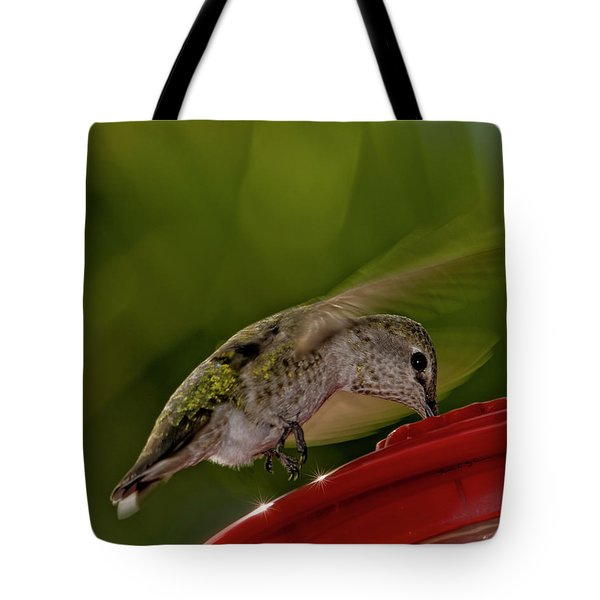 Tote Bag featuring the photograph Female Anna's Hummingbird H40 by Mark Myhaver