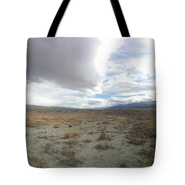 Find No Boundaries Tote Bag