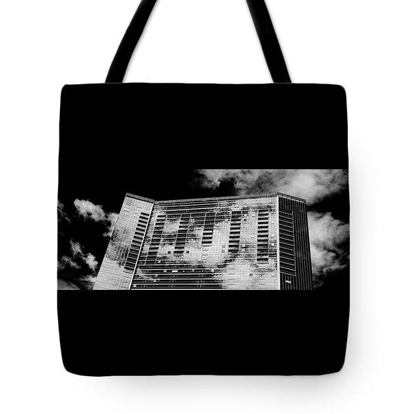 Fla-150531-nd800e-25118-bw Tote Bag by Fernando Lopez Arbarello
