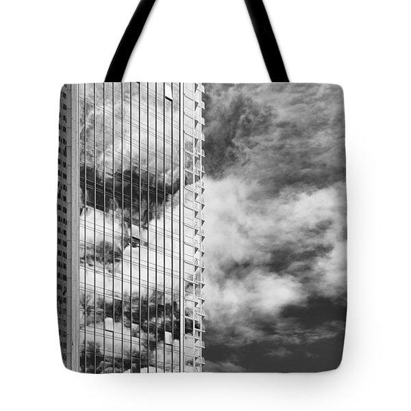 Fla-150531-nd800e-25123-bw Tote Bag by Fernando Lopez Arbarello