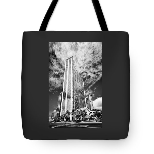 Fla-150531-nd800e-25126pa31-bw Tote Bag