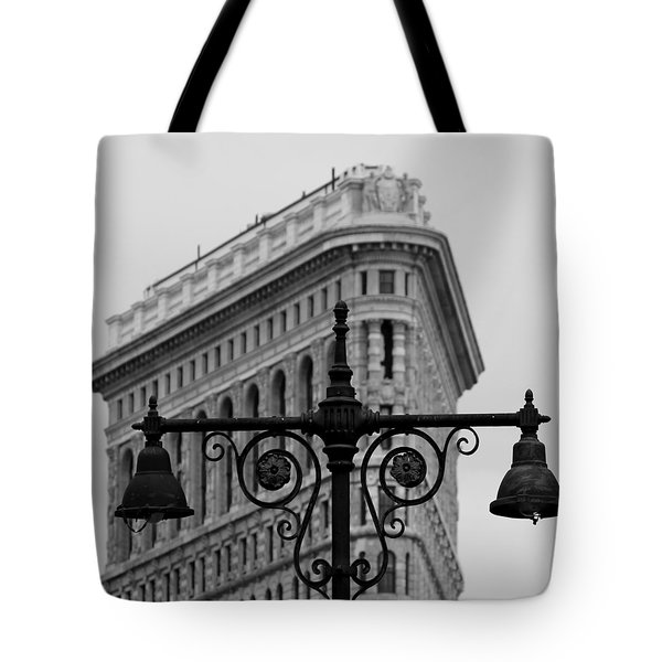 Flatiron Building New York Tote Bag by Andrew Fare