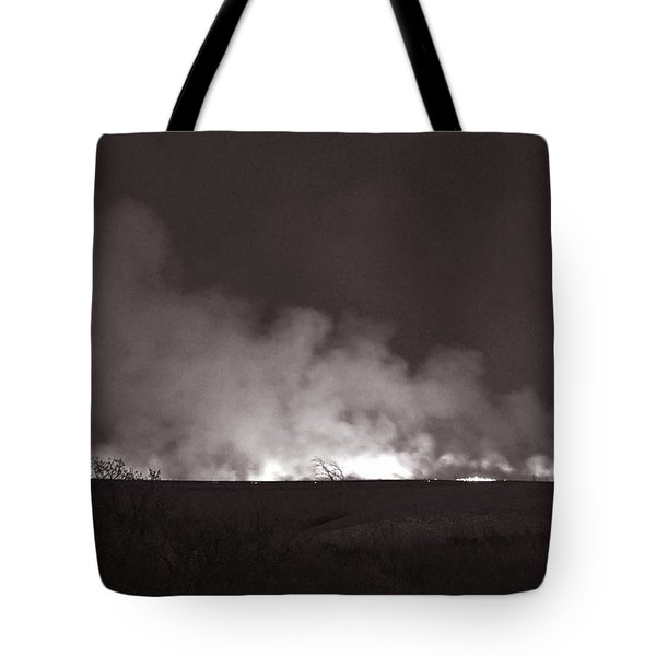 Flint Hills Fire In Monochrome Tote Bag by Thomas Bomstad