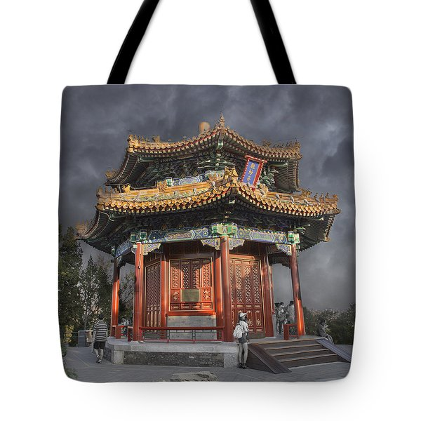 Flower In The City Tote Bag