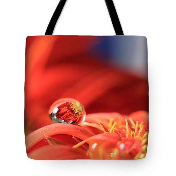 Flower Reflection In Water Drop Tote Bag