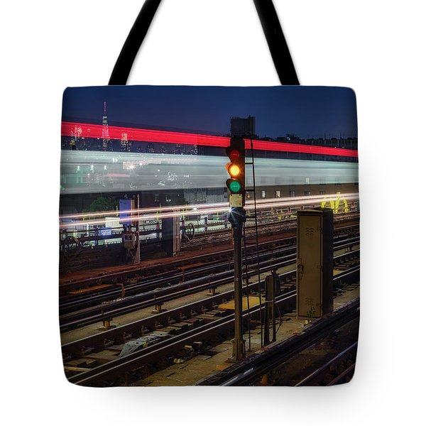 Tote Bag featuring the photograph Flushing 7 Train And Nyc Skyline by Susan Candelario