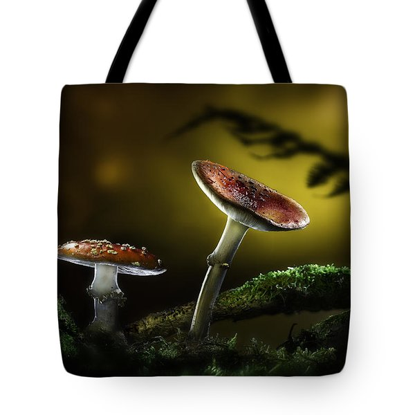 Fly Mushroom - Red Autumn Colors Tote Bag