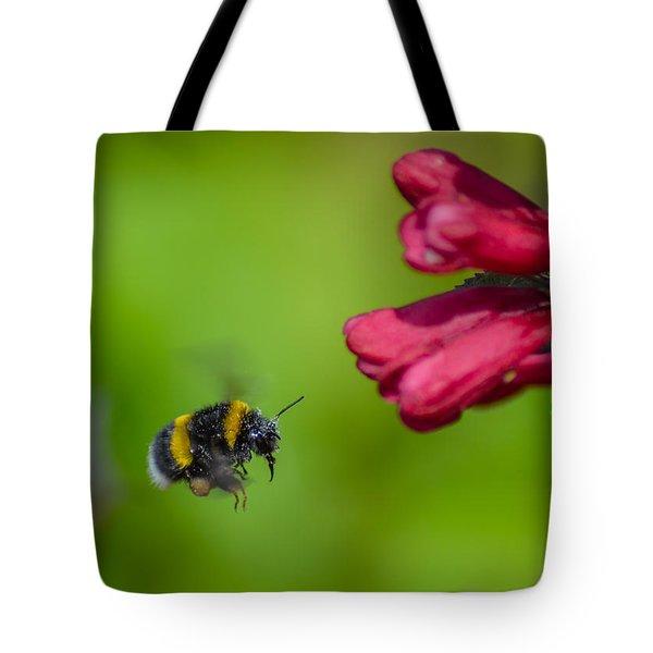 Flying Bumblebee Tote Bag by Rainer Kersten