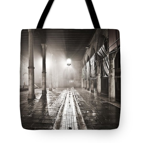 Fog In The Market Tote Bag