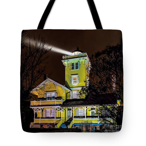 Tote Bag featuring the photograph Foggy Night At Hereford by Nick Zelinsky