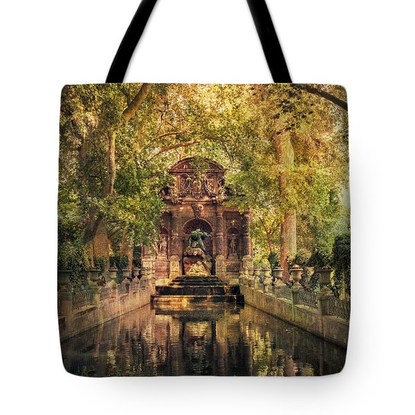 Tote Bag featuring the photograph Fontaine De Medicis by John Rivera