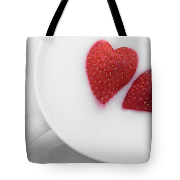 Tote Bag featuring the photograph For Valentine's Day by William Lee