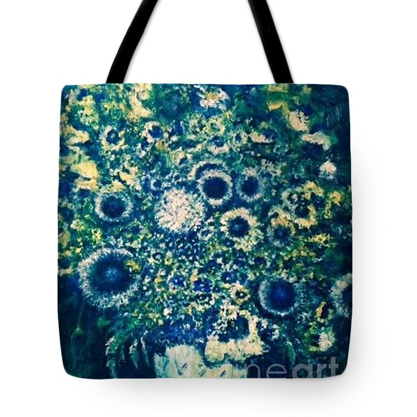 Tote Bag featuring the photograph Forget Me Knot by Laurie L