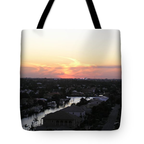Tote Bag featuring the photograph Fort Lauderdale Sunset by Patricia Piffath