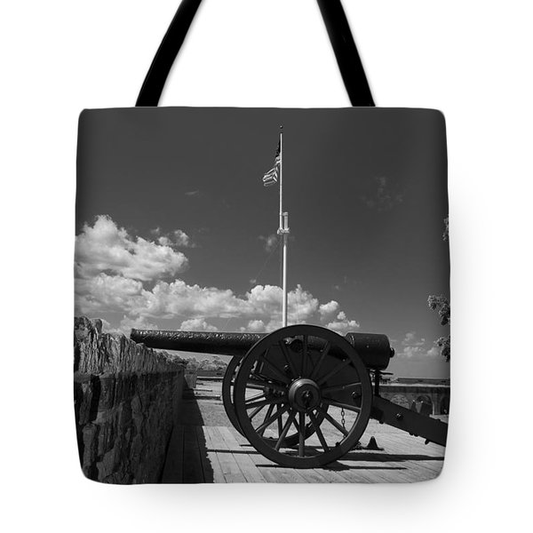 Fort Pulaski Cannon And Flag In Black And White Tote Bag