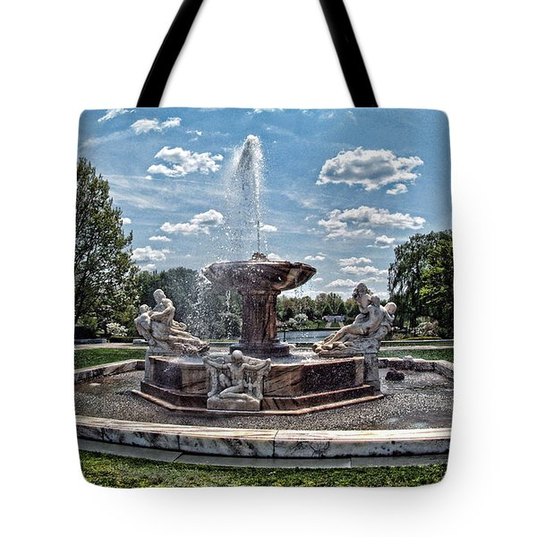 Fountain - Cleveland Museum Of Art Tote Bag