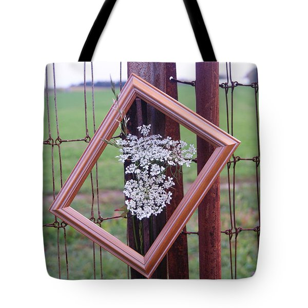 Framed Queen Anne's Lace Tote Bag