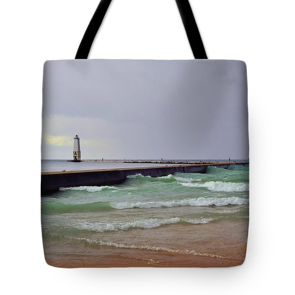 Frankfurt Lighthouse Breakwater Tote Bag