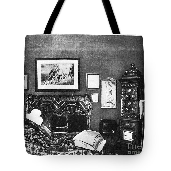 Freuds Consulting Room Tote Bag by Science Source