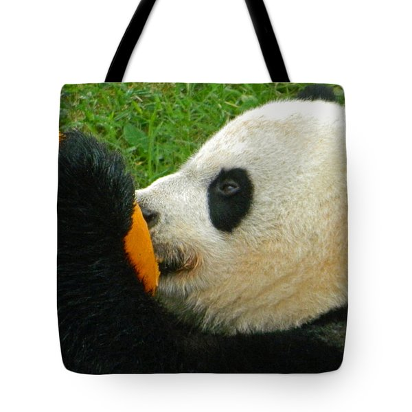 Frozen Treat For Mei Xiang The Giant Panda Tote Bag