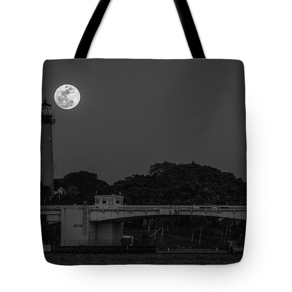 Full Moon And The Jupiter Lighthouse Tote Bag