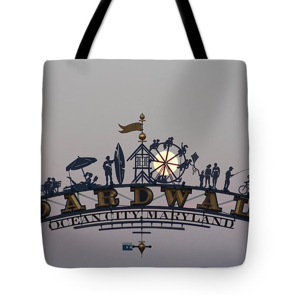 Full Moon In The Boardwalk Arch Ferris Wheel Tote Bag