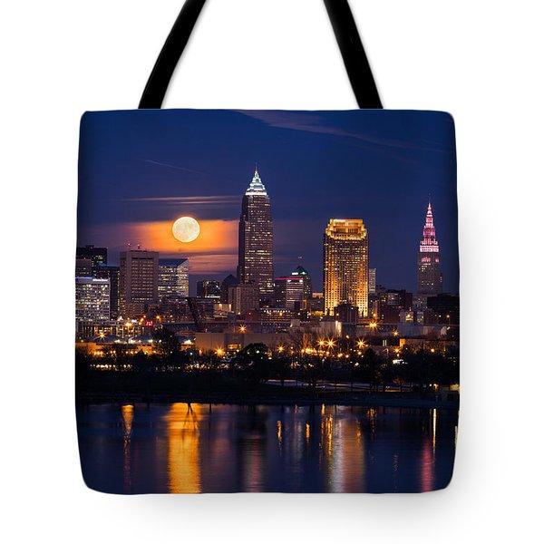 Full Moonrise Over Cleveland Tote Bag