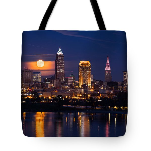 Full Moonrise Over Cleveland Tote Bag