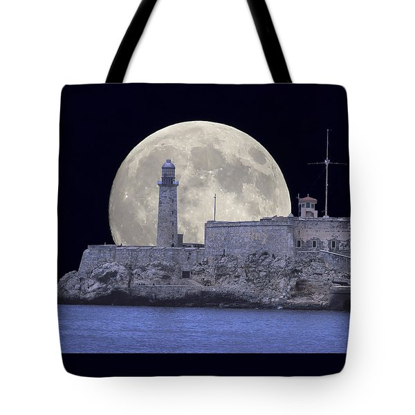 Full Moonrise Over The Castillo De Los Tres Reyes Magos Del Morro, Havana, Cuba Tote Bag