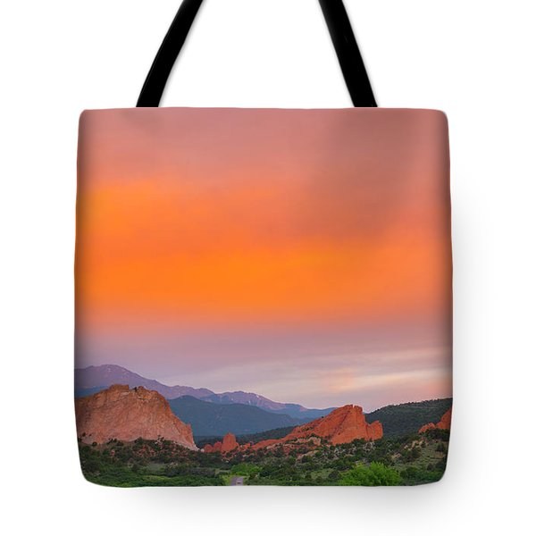 Tote Bag featuring the photograph Garden Of The Gods Sunset by Tim Reaves