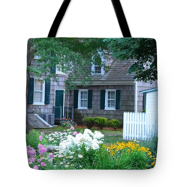 Gardens At The Burton-ingram House - Lewes Delaware Tote Bag