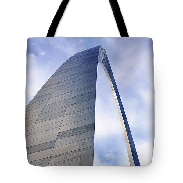 Tote Bag featuring the photograph Gateway Arch - Grace - Saint Louis by Nikolyn McDonald