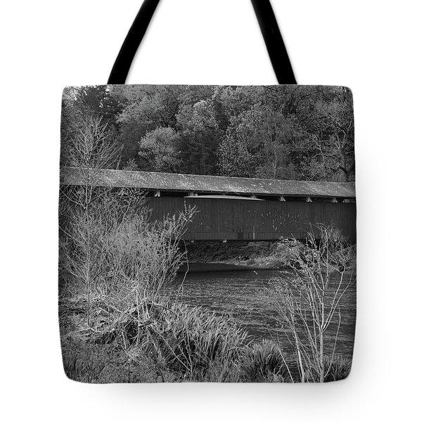Geiger Covered Bridge B/w Tote Bag