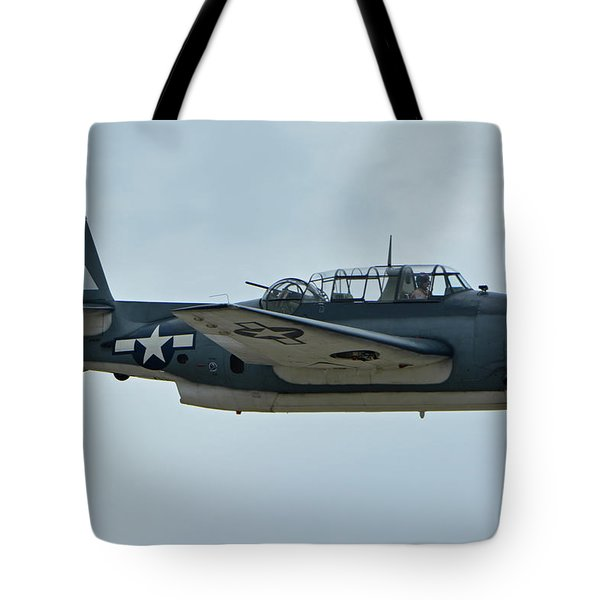General Motors Tbm-3e Avenger Nx7835c Chino California April 30 2016 Tote Bag by Brian Lockett