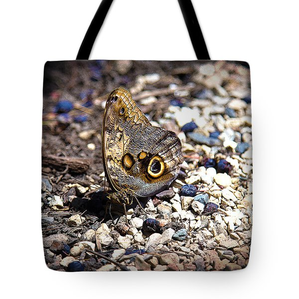 Giant Owl Tote Bag