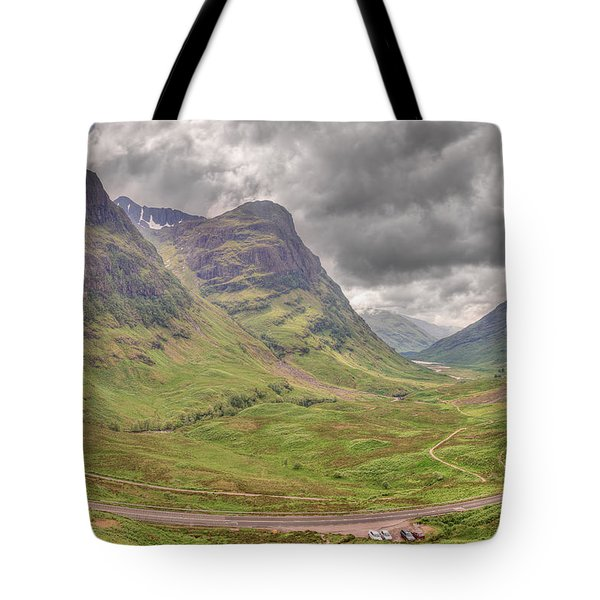 Tote Bag featuring the photograph Glencoe    by Ray Devlin