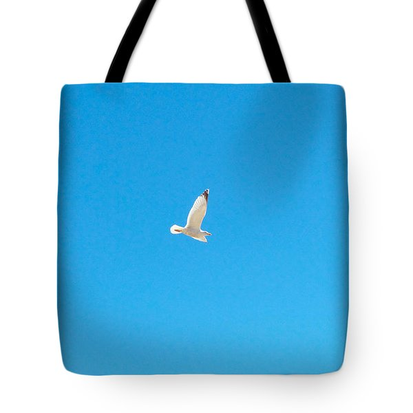 Gliding Seagull Tote Bag