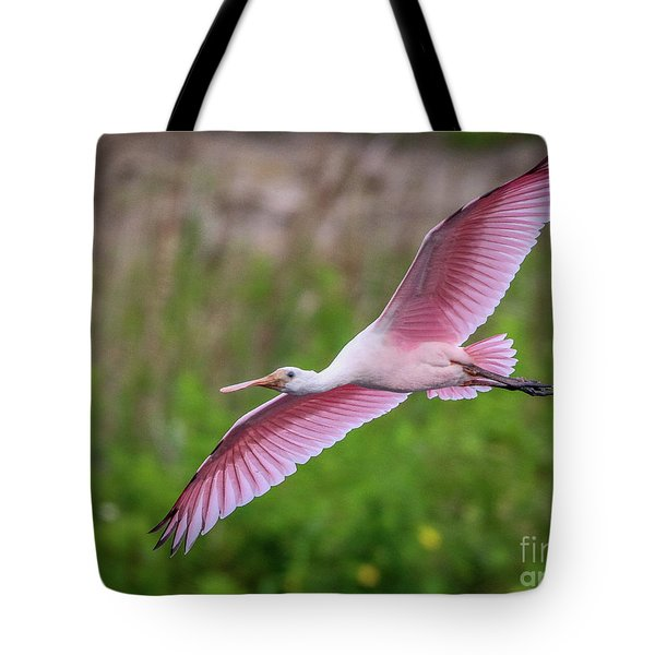 Tote Bag featuring the photograph Gliding Spoonbill by Tom Claud