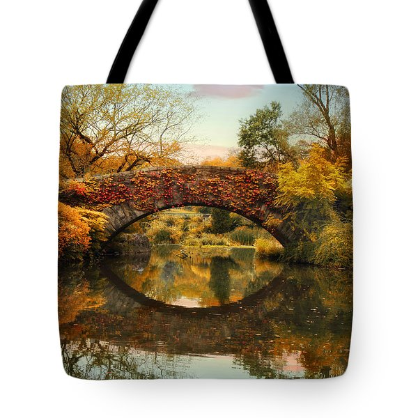 Tote Bag featuring the photograph Glorious Gapstow   by Jessica Jenney