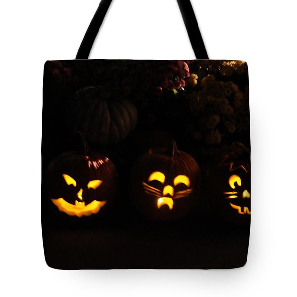 Glowing Pumpkins Tote Bag by Suzanne Gaff