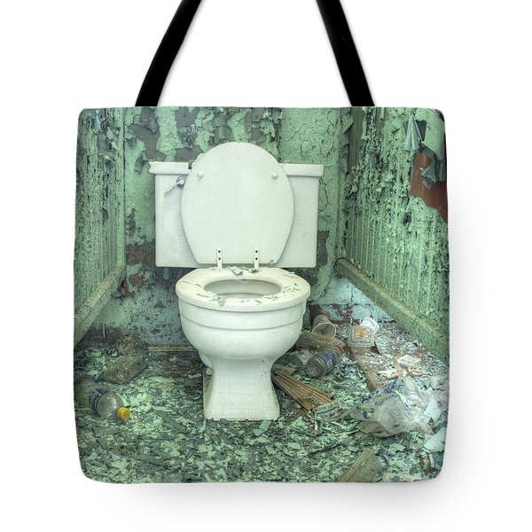 Tote Bag featuring the photograph Go Green by ELDavis Photography