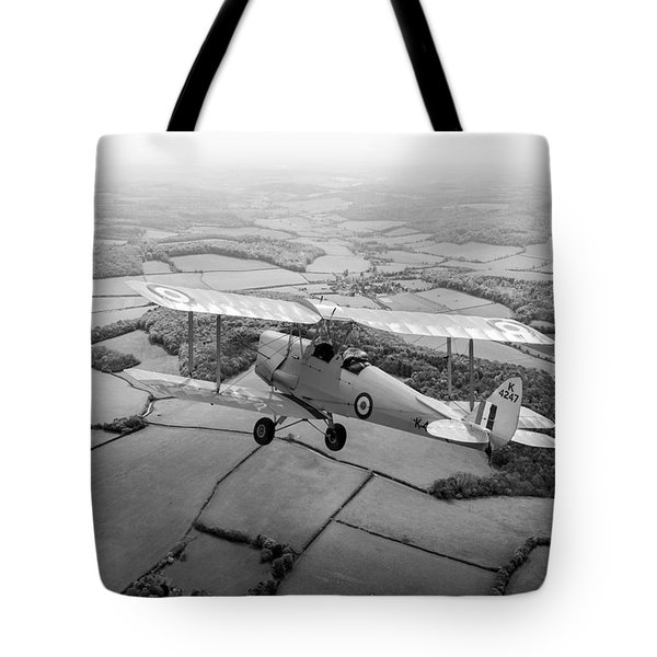 Tote Bag featuring the photograph Going Solo by Gary Eason